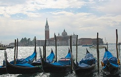 explore the history and Venetian Lengends with a cruise aboard La Dolce Vita