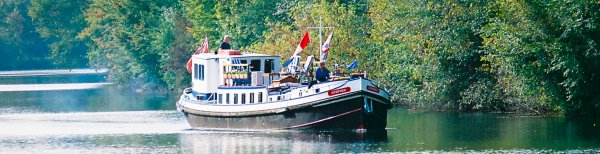Luxury barge cruises on Nymphea, Upper Loire Valley, France