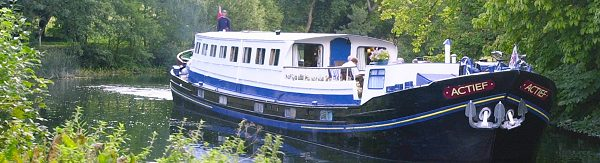 Actief luxury barge cruise on the Upper Thames, England