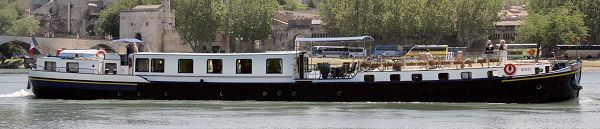 L'Impressionniste cruising in Provence, France