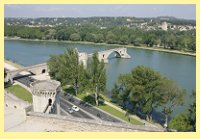 Le Pont d'Avignon on the mighty Rhone river