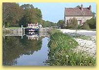 La Belle Epoque in the Lock, beside the Lockkeepers house