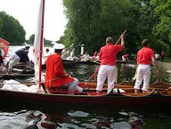 Rounding up the swans at Datchet 2004
