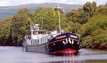 Scottish Highlander luxury barge cruise in Scotland